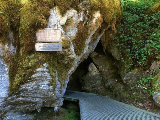 Oregon Cave in Cave Junction, Oregon. Ways to stay cool in Eugene.